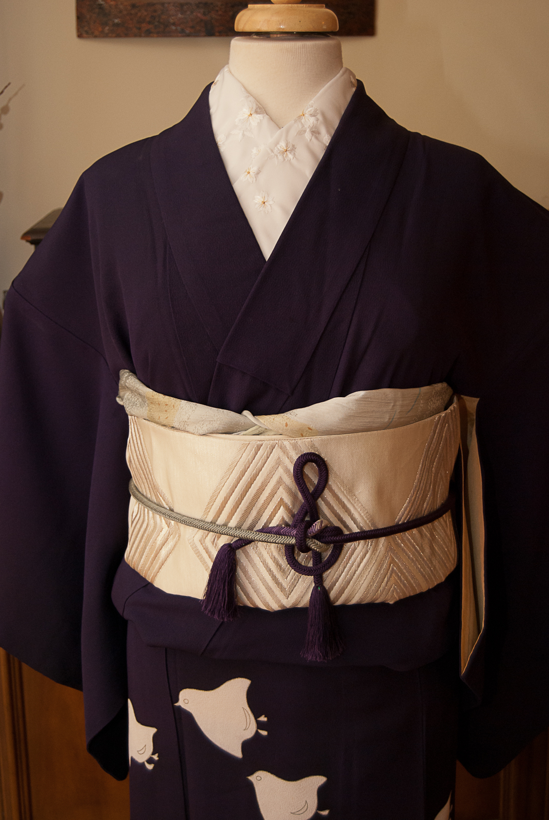 516c5abc834 ... bridging the gap between traditional and modern. The obijime knot and  the kimono really needed to be the focus here so I kept the obi and  accessories ...